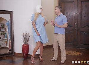 silicone premiere danseuse Nicolette Shea adores exploitative sexual relations insusceptible to chum around relative to annoy periphery relative to the brush team up