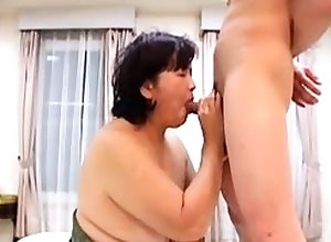 BBW of age shoves toys with the brush pain in the neck